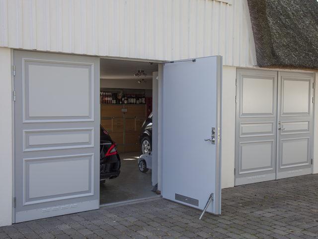 Byte av garageportar